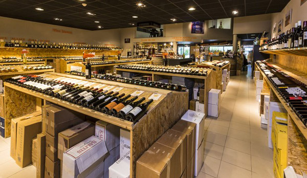 interieur-cave-vin-bouteille