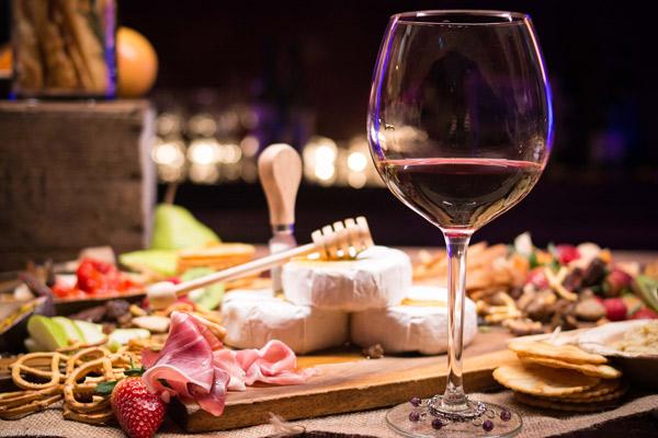 fromage-vins-plateau-rustique