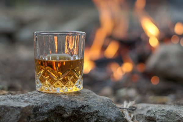 verre-flamme-whisky